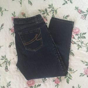 Stylish and Comfortable Capris Jeans
